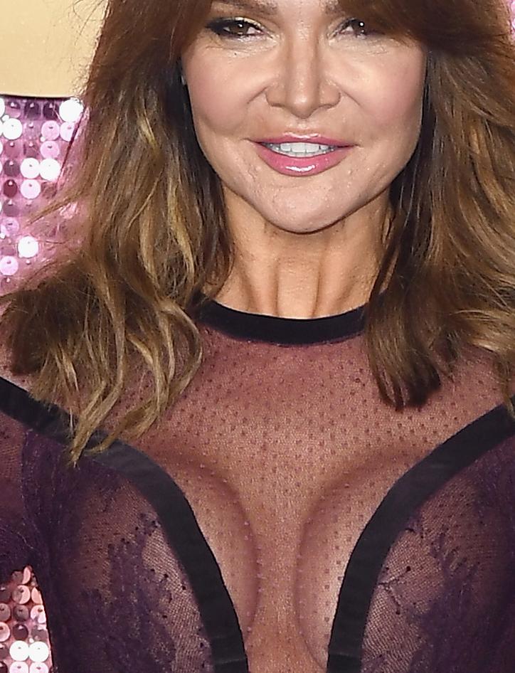 Jej sukienka uwydatniła piersi /Jeff Spicer /Getty Images