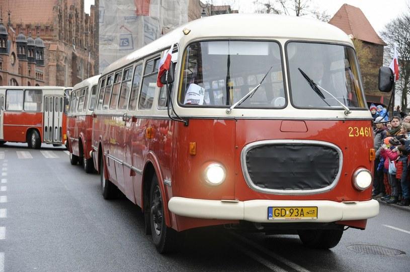 Jelcz 043 z przyczepą autobusową Jelcz PO1 /Wojciech Stóżyk /Agencja SE/East News