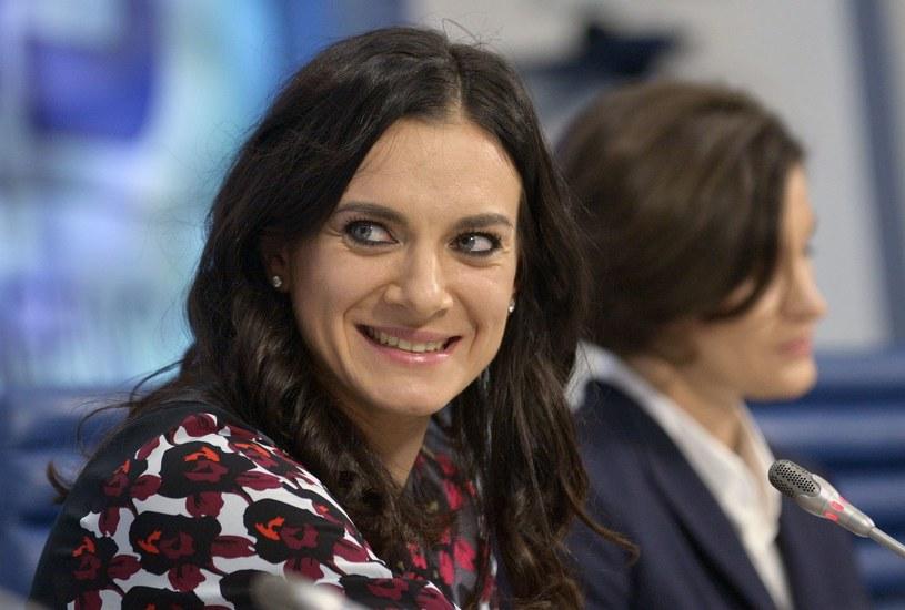 Jelena Isinbajewa podczas konferencji prasowej /AFP