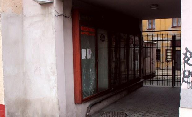Jelenia Góra: Zakrwawiony mężczyzna leżał na chodniku