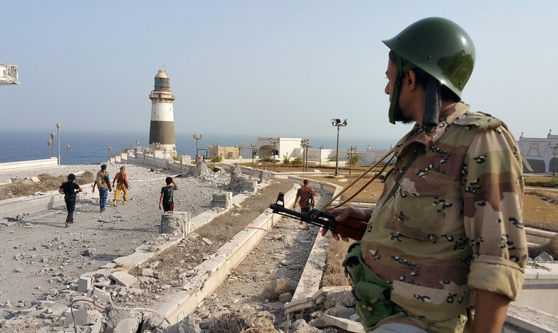 Jemeński żołnierz w rejonie pałacu prezydenckiego /AFP