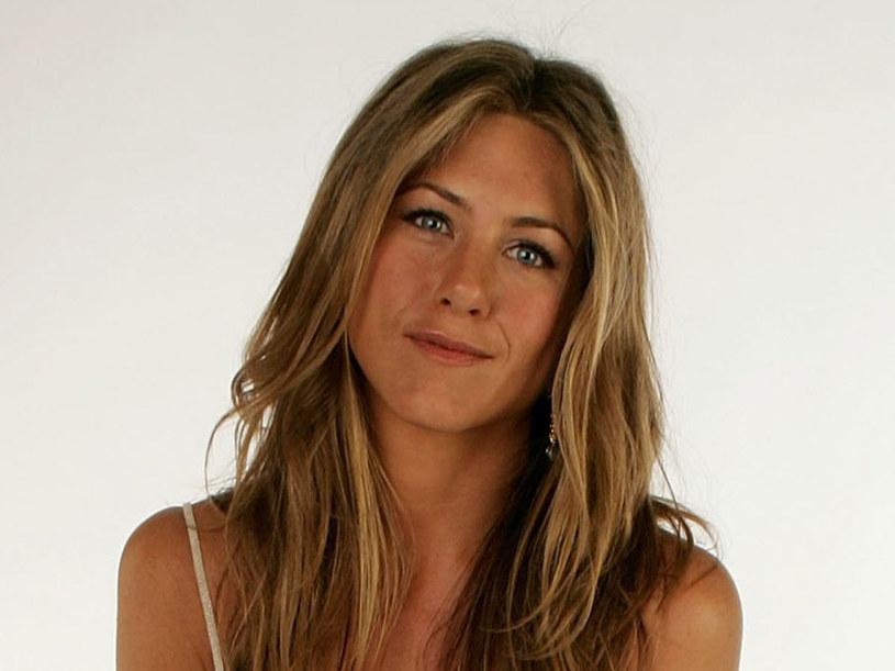 Jennifer Aniston ćwiczy jogę  /Getty Images/Flash Press Media