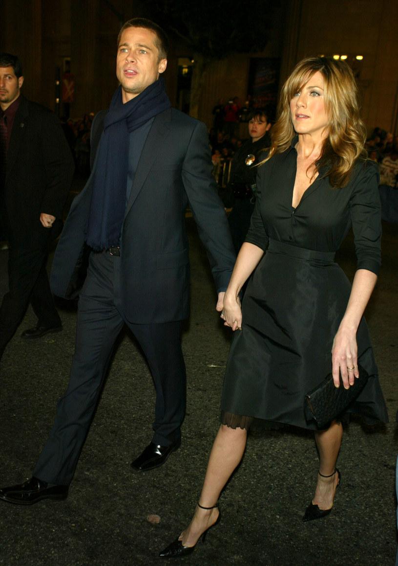 Jennifer Aniston i Brad Pitt byli szczęśliwym małżeństwem / Kevin Winter /Getty Images