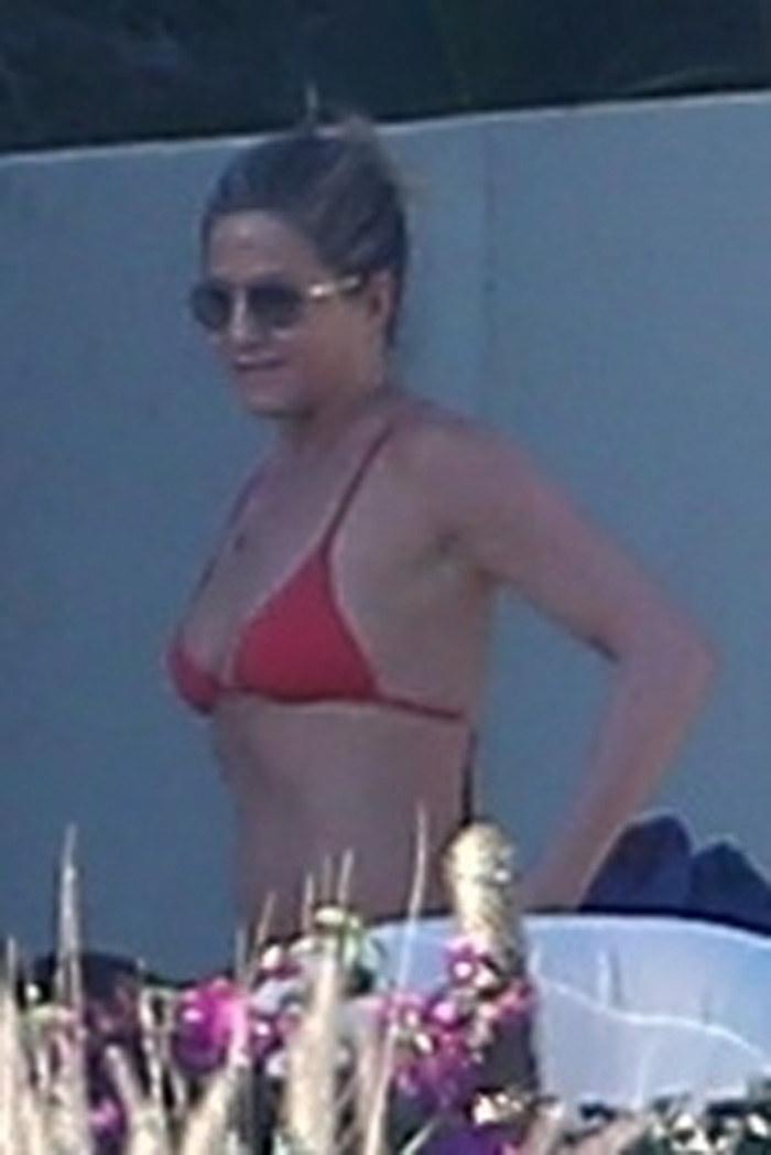 Jennifer Aniston na wakacjach w Meksyku /Agencja FORUM