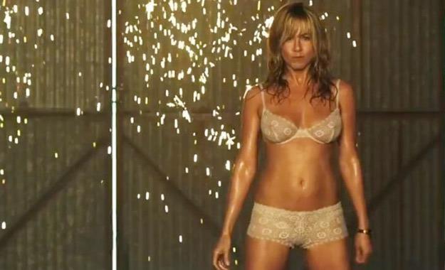 """Jennifer Aniston w filmie """"Millerowie"""" /materiały prasowe"""