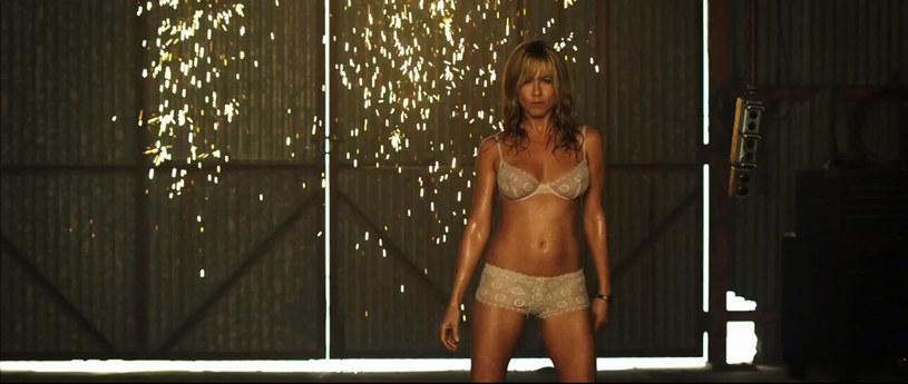 """Jennifer Aniston w scenie z """"Millerów"""" /Ferrari Press /East News"""