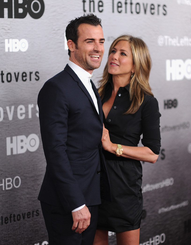 Jennifer Aniston z narzeczonym Justinem Therouxem /Dimitrios Kambouris /Getty Images