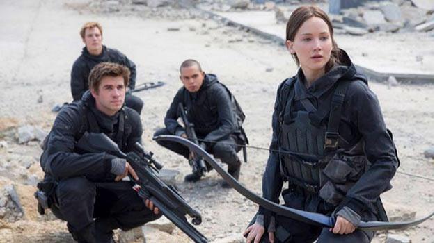 """Jennifer Lawrence powróci jako Katniss w """"Igrzyskach śmierci: Kosogłos. Część 2"""" /materiały dystrybutora"""