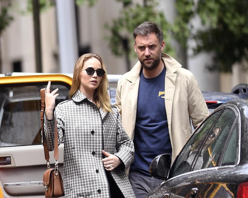 Jennifer Lawrence z narzeczonym /Elder Ordonez / Splash News /East News