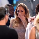 Jennifer Lopez - Choć płacze, to musi to przetrwać