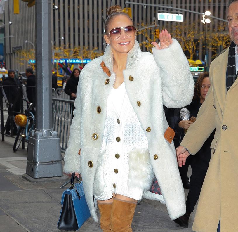 "Jennifer Lopez często sięga po biały ""total look"" /    Felipe Ramales / Splash News /East News"