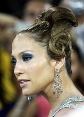 """Jennifer Lopez i jej """"najgorsza fryzura 2005 roku"""" /"""