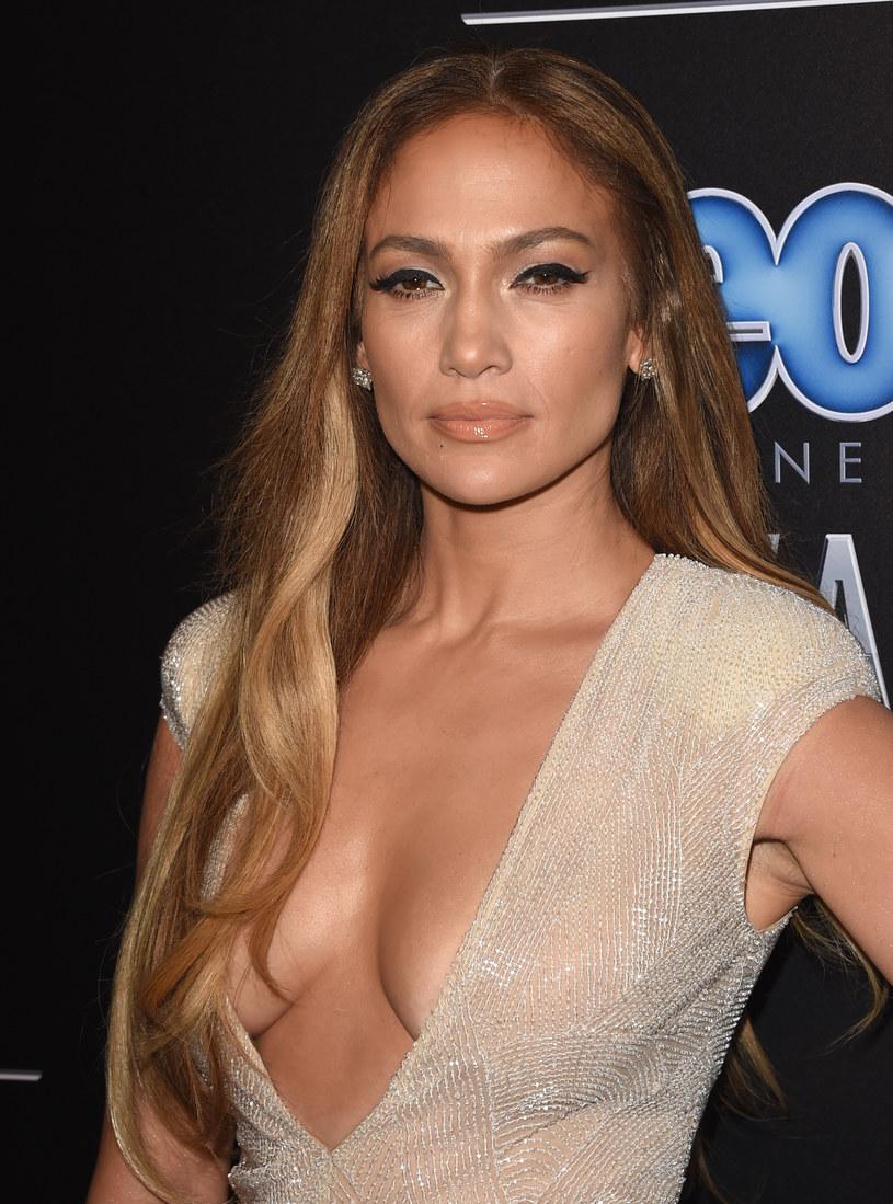 Jennifer Lopez nie może żyć bez miłości /Jason Merritt /Getty Images