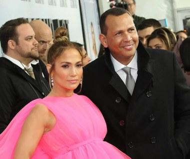 Jennifer Lopez się zaręczyła! I pochwaliła pierścionkiem