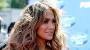 Jennifer Lopez w objęciach przystojniaka