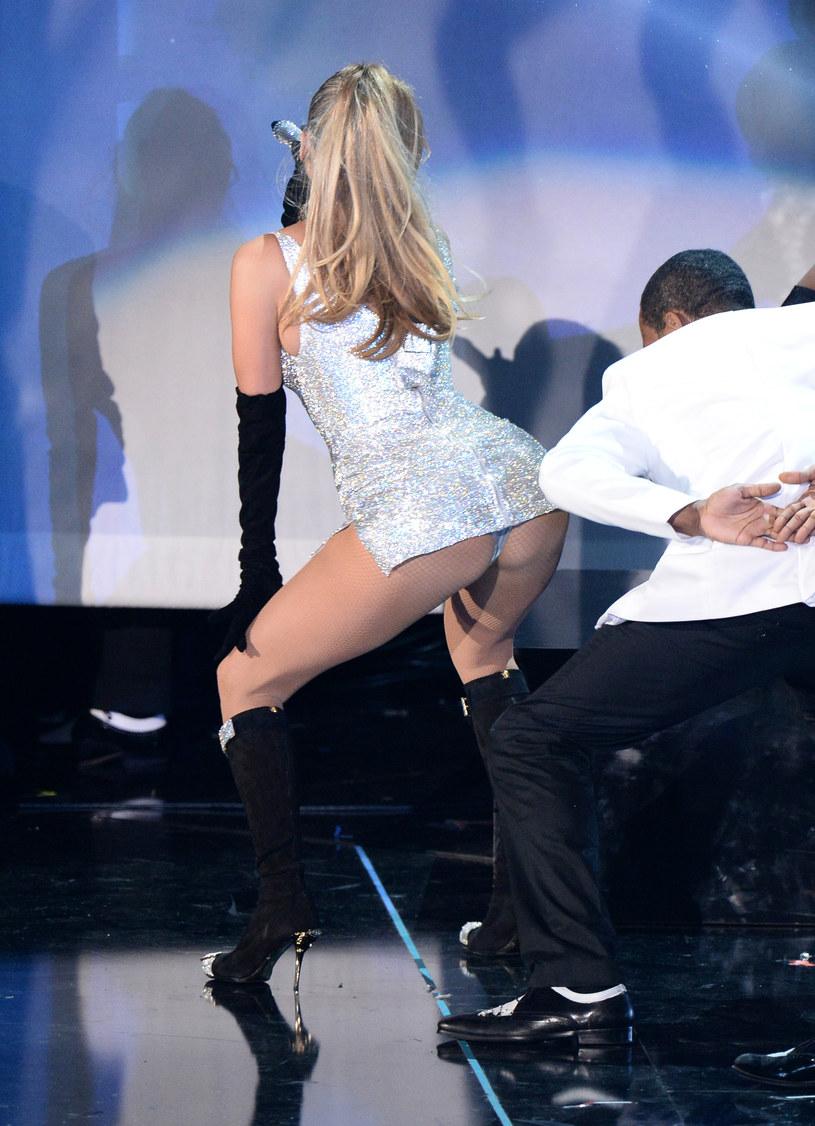 Jennifer Lopez wyginała się w seksownych pozach /Dimitrios Kambouris /Getty Images