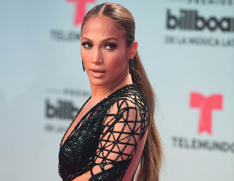 Jennifer Lopez wygląda coraz młodziej /East News