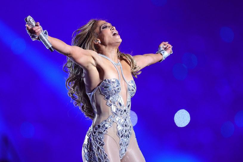 Jennifer Lopez zawstydza formą dwudzestolatki /TOM PENNINGTON/Getty AFP/East News /East News