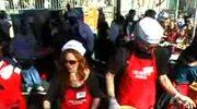 Jennifer Love Hewitt na obiedzie dla bezdomnych