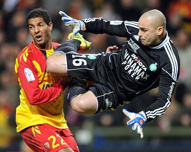 Jeremie Janot stosuje techniki rodem z MMA podczas meczów Ligue 1 /AFP