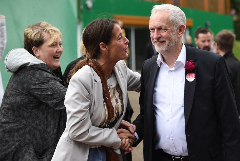 Jeremy Corbyn świetnie sobie radzi na kampanijnym szlaku /AFP