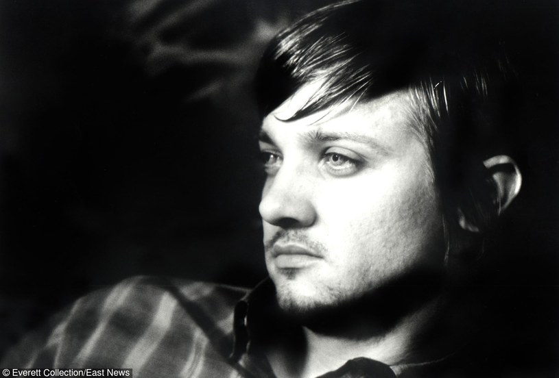 """Jeremy Renner w filmie """"Dahmer"""" /Everett Collection /East News"""