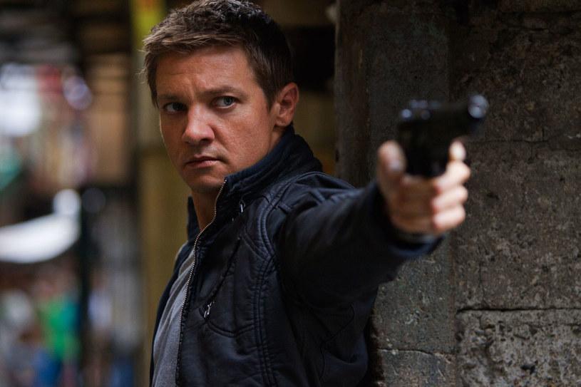 """Jeremy Renner w filmie """"Dziedzictwo Bourne'a"""" /materiały dystrybutora"""