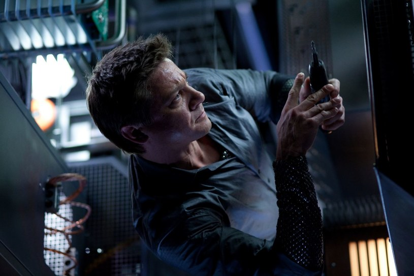 """Jeremy Renner w filmie Mission: Impossible. Ghost Protocol"""" /materiały dystrybutora"""