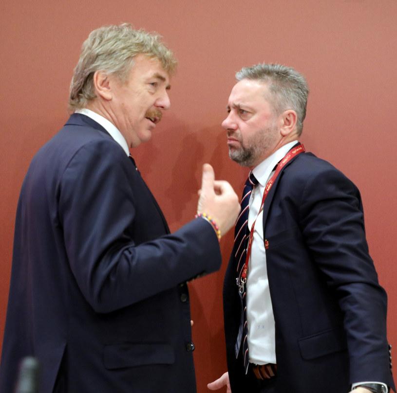 Jerzy Brzęczek (z prawej) zostanie zweryfikowany przez Zbigniewa Bońka pod koniec roku 2020 r., choć Euro 2020 odbędzie się dopiero w czerwcu 2021 r. /Piotr Molecki /East News