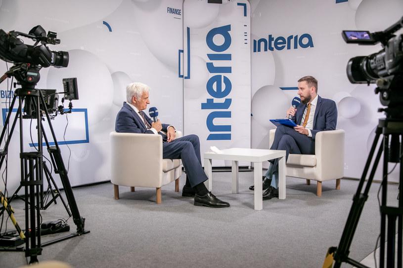 Jerzy Buzek, były premier, poseł do Parlamentu Europejskiego w studiu Interii /Fot. Ireneusz Rek /INTERIA.PL