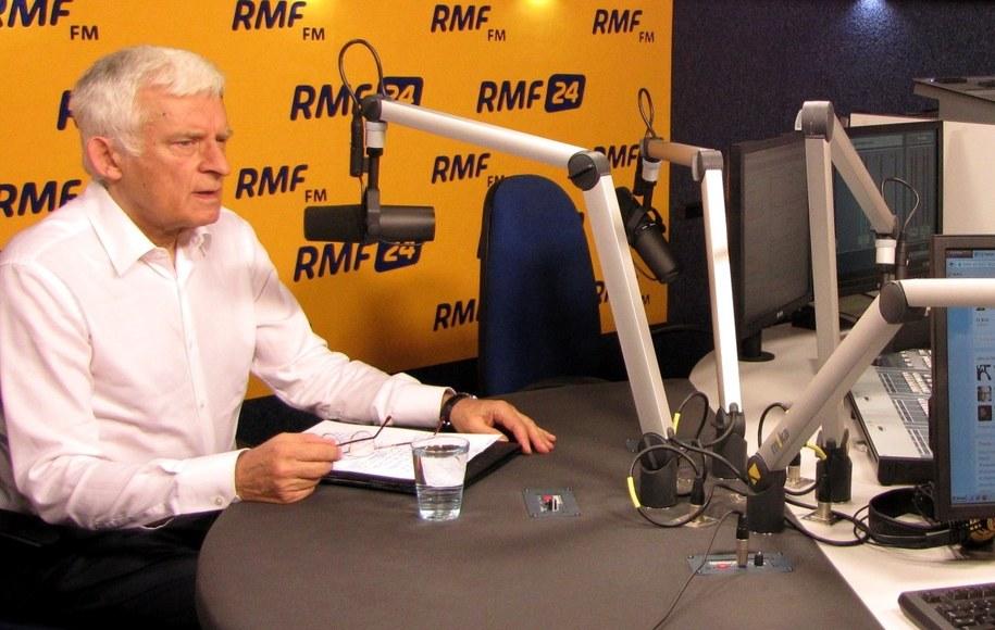 Jerzy Buzek odpowiadał na pytania słuchaczy RMF FM /Wasilewska Olga /RMF FM