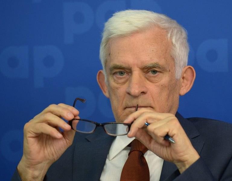 Jerzy Buzek /Radek Pietruszka /PAP