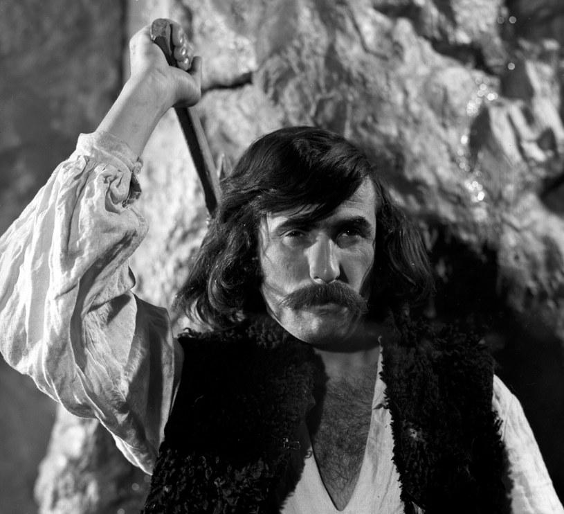 """Jerzy Cnota jako Gąsior w """"Janosiku"""" (1974) /Stefan Pindelski /East News/POLFILM"""
