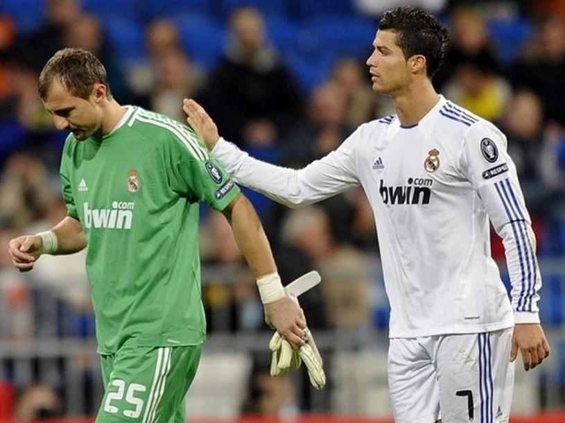 Jerzy Dudek (z lewej) i Cristiano Ronaldo /AFP