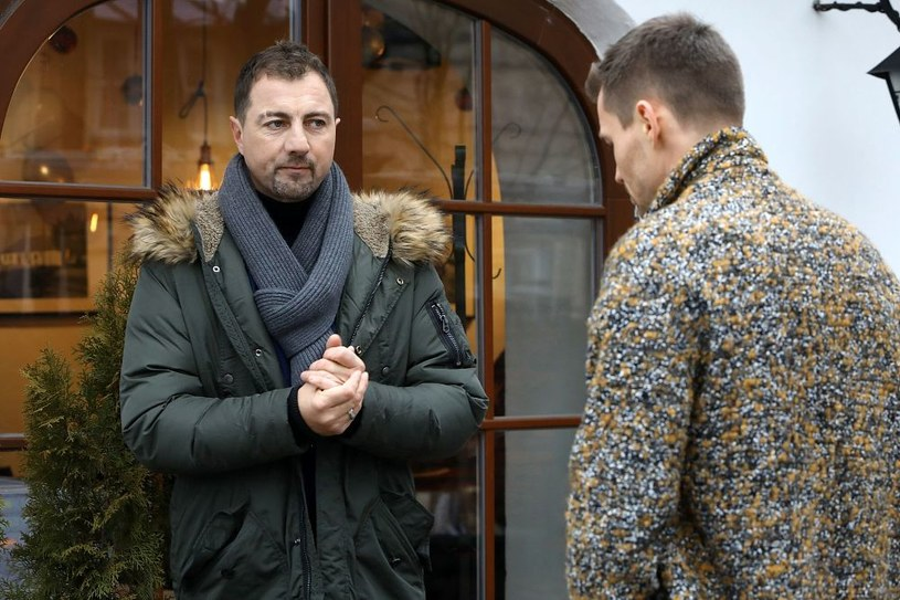 Jerzy i Darek spotkają się w restauracji, a potem zaczną rozmawiać o życiu... /www.barwyszczescia.tvp.pl/