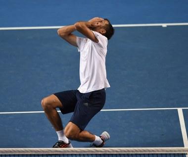 Jerzy Janowicz - Gael Monfils 6:4, 1:6, 6:7 (3-7), 6:3, 6:3 w drugiej rundzie Australian Open