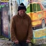 Jerzy Rybiński w roli bezdomnego
