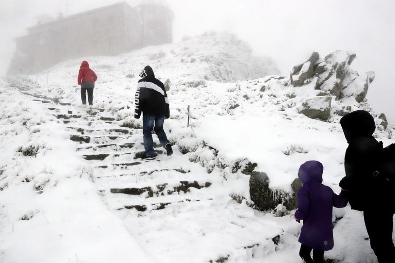 Jesień 2021 tuż tuż. Tymczasem w górach już spadł śnieg / Grzegorz Momot    /PAP