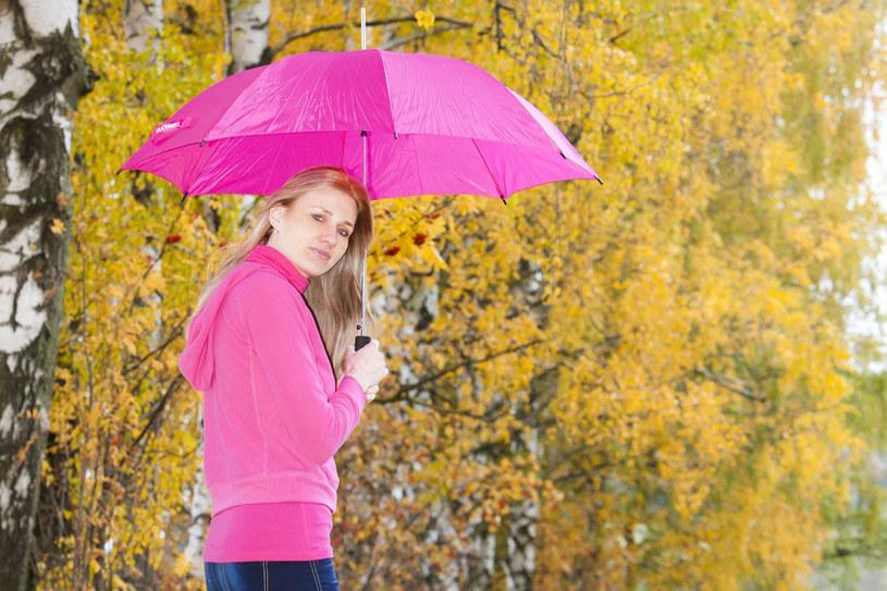 Jesień nie musi oznaczać ciągłych przeziębień /123RF/PICSEL