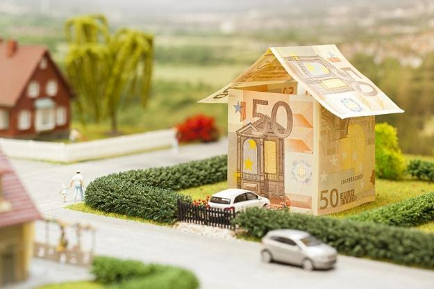 Jesienią 2013 r. kredyty walutowe mają być zakazane przez nadzór finansowy /©123RF/PICSEL