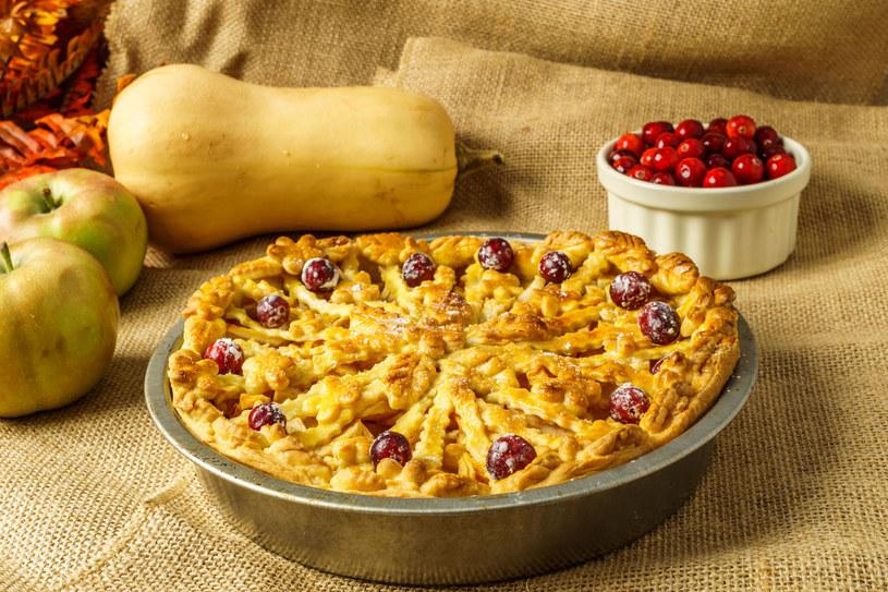Jesienne ciasto z kruszonką /123RF/PICSEL