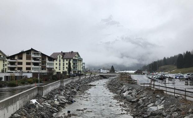 Jesienne skakanie w Engelbergu