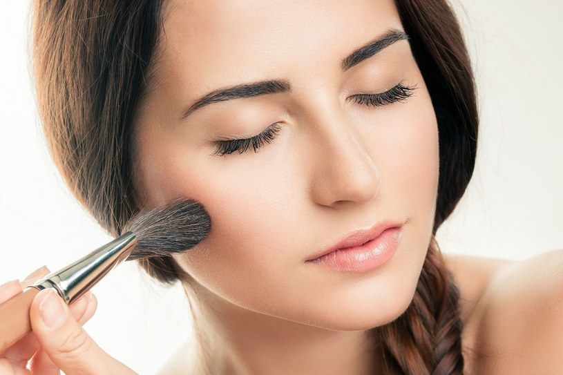 Jesinią można poszaleć z makijażem /123RF/PICSEL