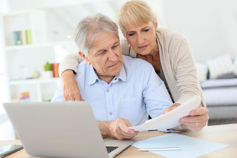 Jeśli będąc na emeryturze nie chcemy żyć w nędzy, musimy zacząć oszczędzać /123RF/PICSEL