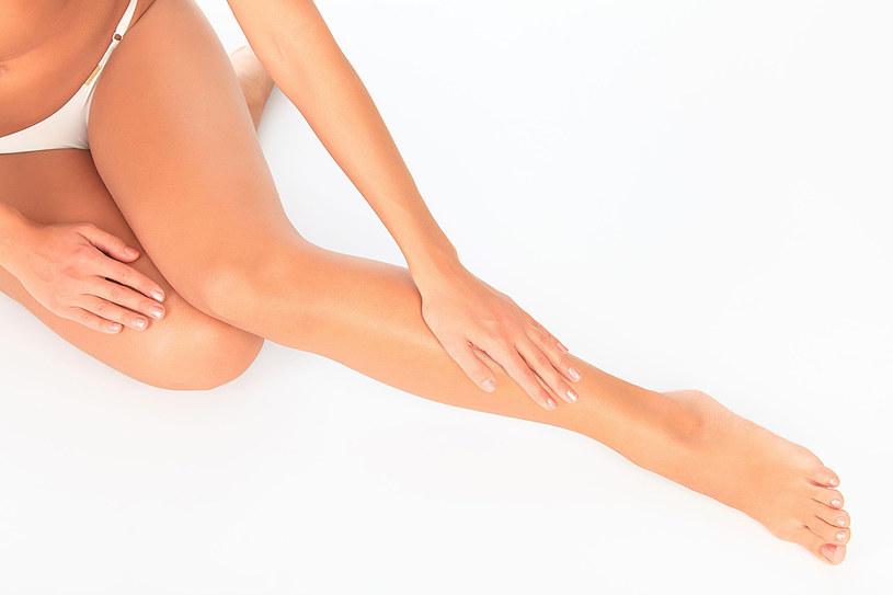 Jeśli chcesz  być zdrowa zapomnij o obcisłej bieliźnie i spodniach, szczególnie uciskających brzuch i pachwiny. Obcasy w butach nie mogą przekraczać 3-4 cm wysokości /123RF/PICSEL