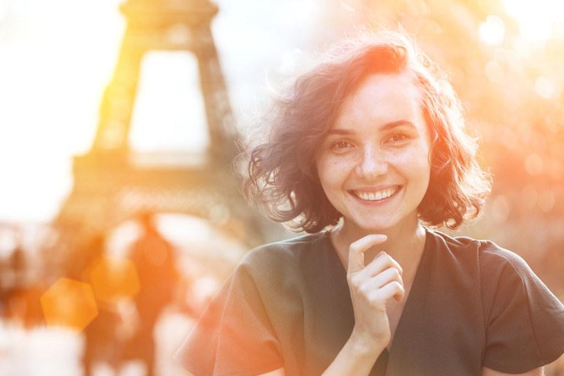 Jeśli chcesz wiedzieć, na ile lat wyglądasz, wejdź do francuskiej kawiarni. Będzie to niczym publiczne referendum na temat twojej twarzy - pisze Druckerman /123RF/PICSEL