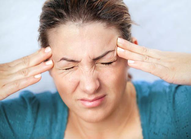 Jeśli czujesz nadchodzącą migrenę, reaguj od razu /123RF/PICSEL