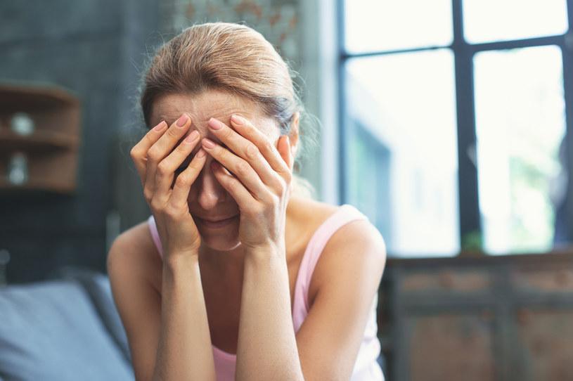 Jeśli czujesz osłabienie lub inne objawy może to oznaczać, że lek jest źle dobrany /123RF/PICSEL