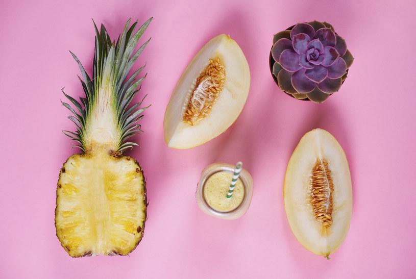 Jeśli czujesz silny głód, zjedz surowe warzywo, nasiona (pestki dyni) lub zupę bez mięsa i nabiału /123RF/PICSEL