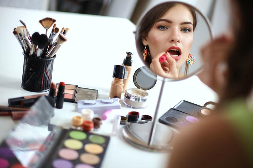 Jeśli dotąd nie byłaś u kosmetyczki, może warto spróbować? /123RF/PICSEL